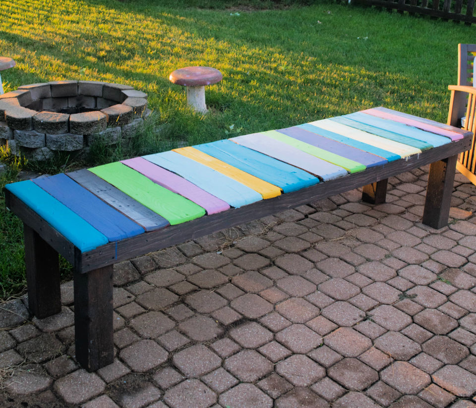 Easy to Make Wood Pallet Bench