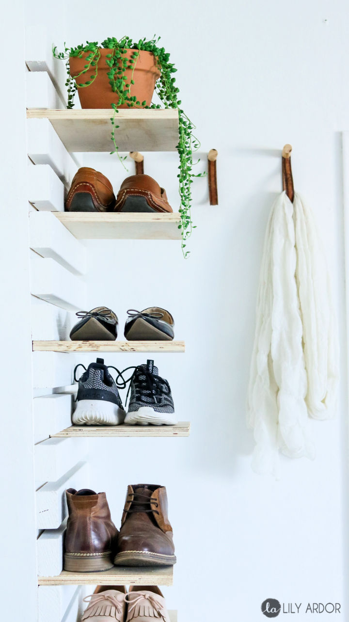 Entryway Bench with Shoe Rack