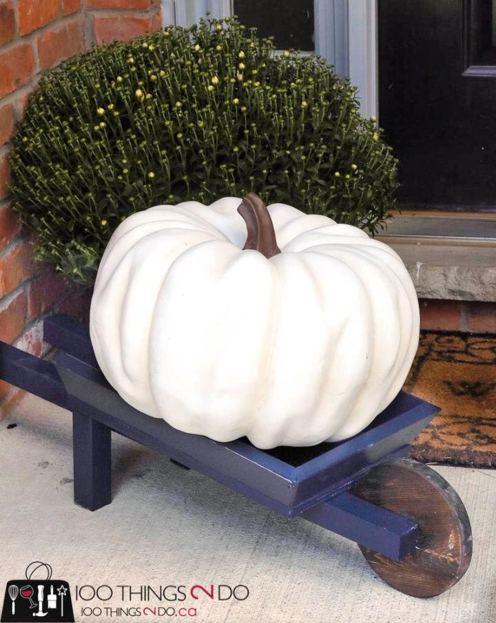 Fall Outdoor Wheelbarrow Decor