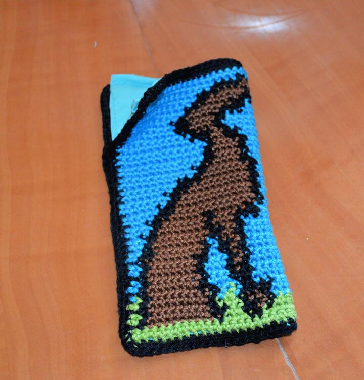 Greyhound Crochet Cell Phone Case