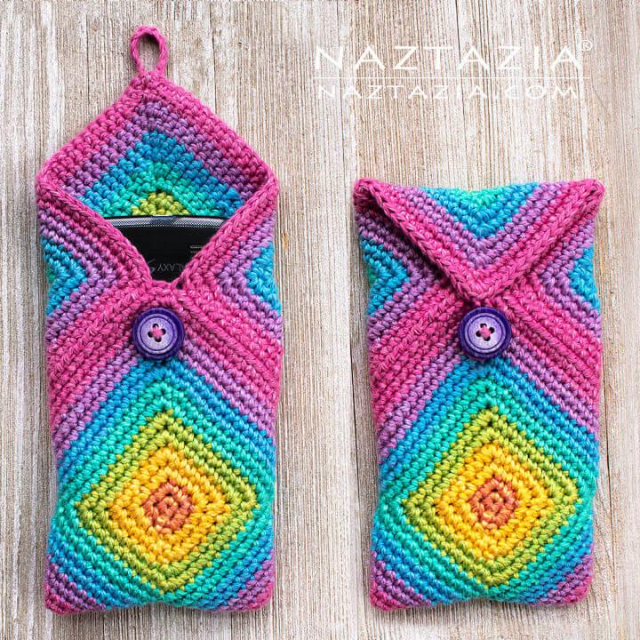 How to Crochet Chromatic Phone Case