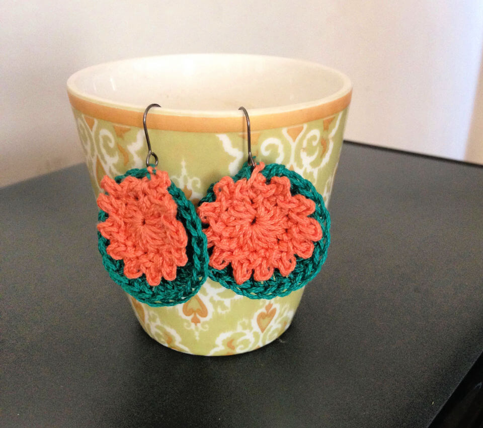 How to Crochet Tiny Blooms Earrings