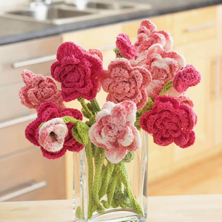 Lily Sugarn Cream Rose Crochet Bouquet