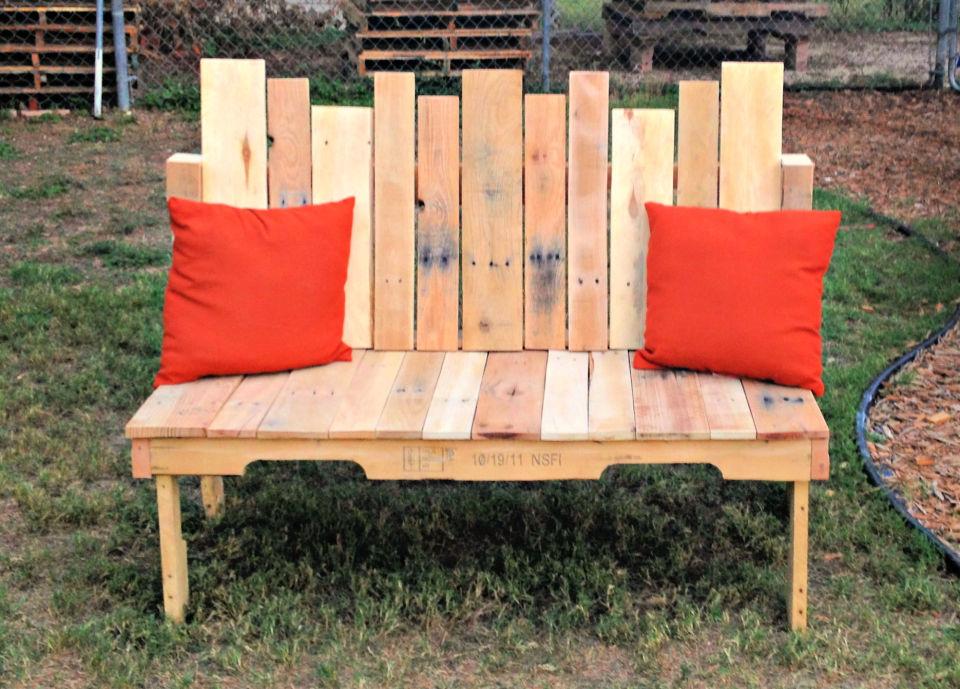 Make a Pallet Wood Bench