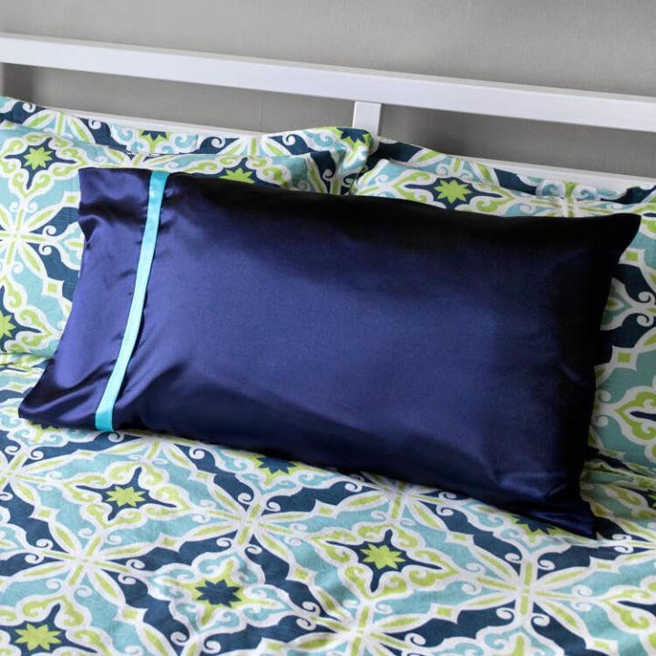 Make a Roll Up Pillowcase