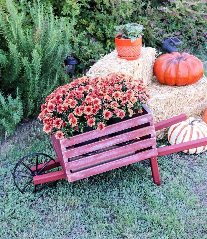 Rustic Fall Wheelbarrow