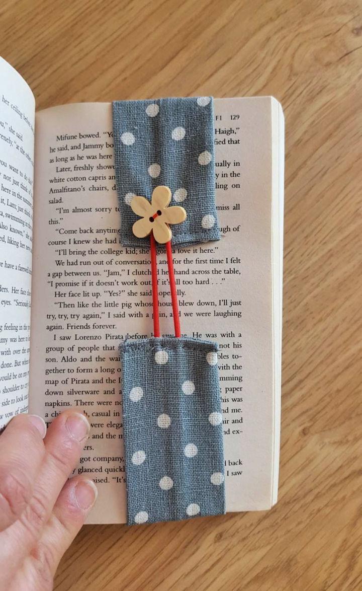 Self Adjusting Fabric Bookmark