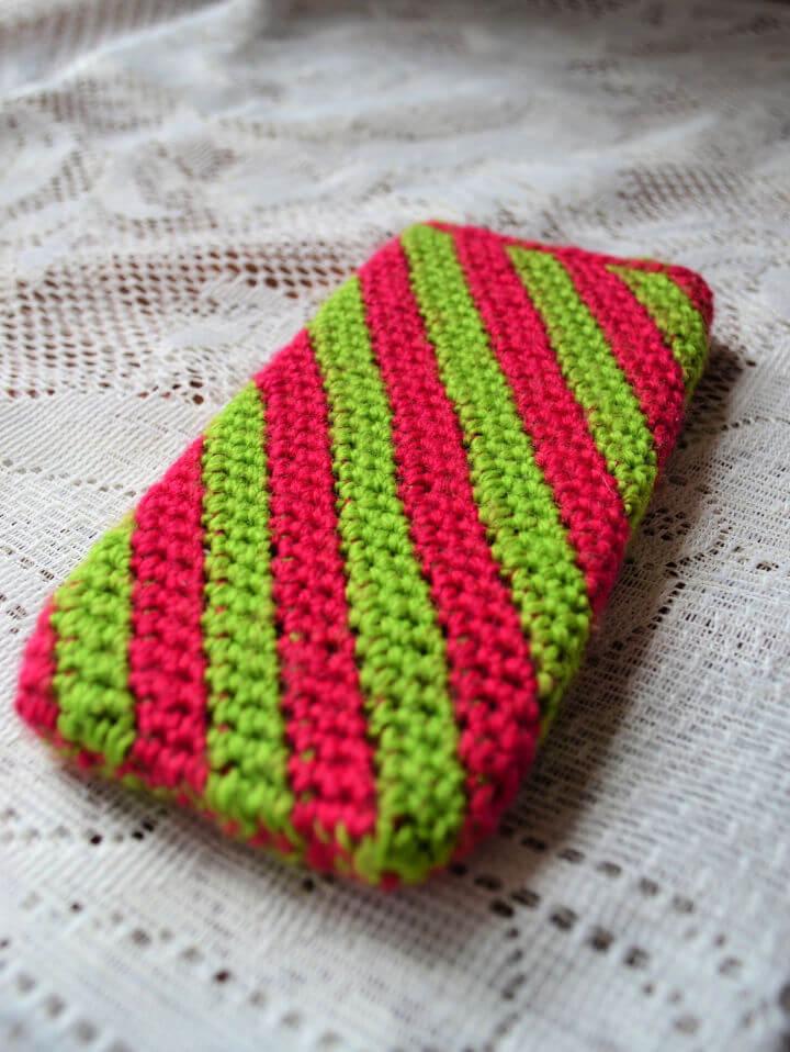 Tapestry Crochet Phone Case