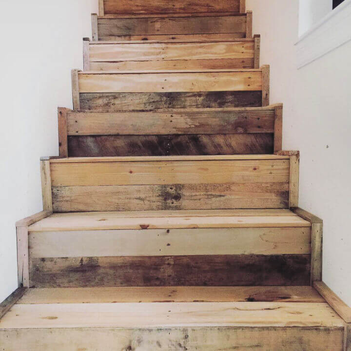 Dreamy Pallet Stairs