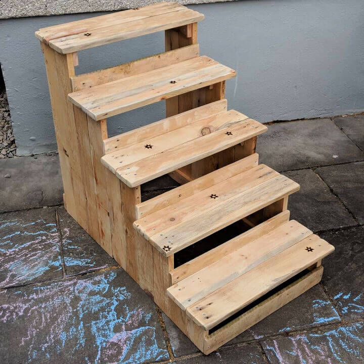 Larger Pallet Wood Stairs