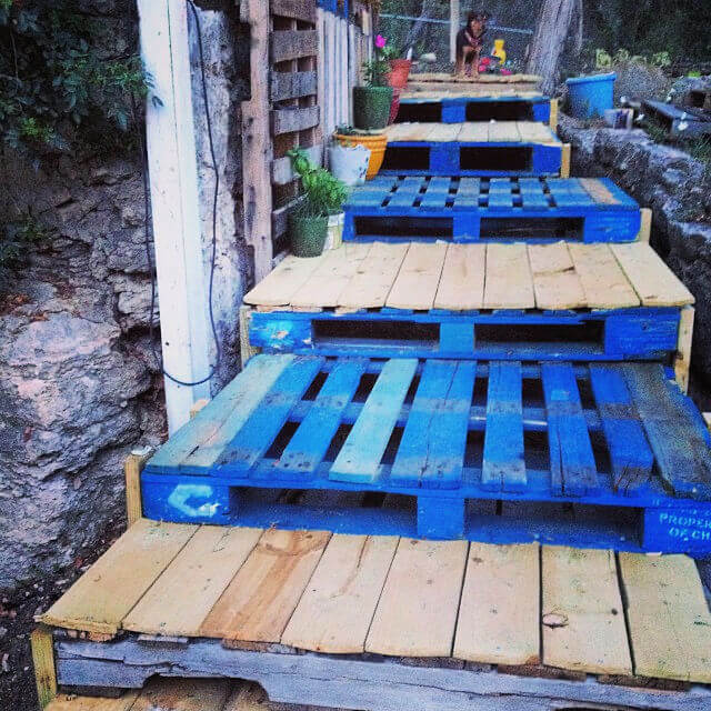 Pallet Stairs For Your Garden