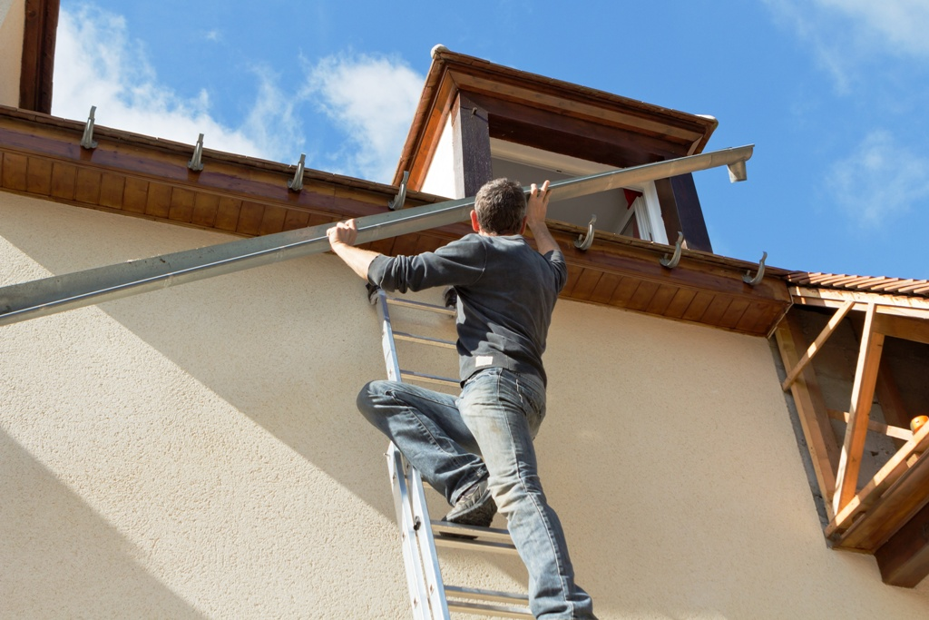 A Handy Guide To DIY Gutter Installation Easily